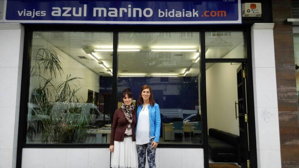Nueva oficina de viajes azul marino en vitoria azul for Oficina de empleo vitoria